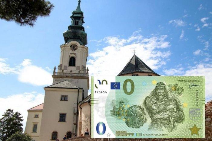 Ilustračný obrázok k článku Na Nitrianskom hrade majú unikátnu eurobankovku: Zdobí ju kráľ Svätopluk