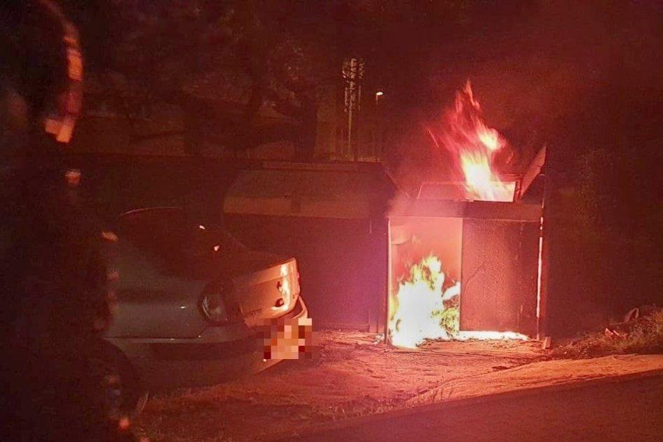 Ilustračný obrázok k článku V Nových Zámkoch niekto podpálil kontajner: Plamene poškodili aj vedľa stojace auto