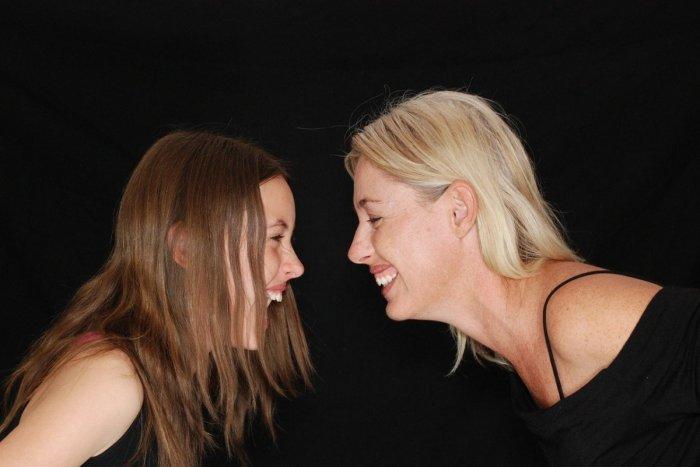 Ilustračný obrázok k článku Lieči a ráno nás naštartuje ako dobrá káva: TOP 20 zaujímavosti o smiechu + KVÍZ