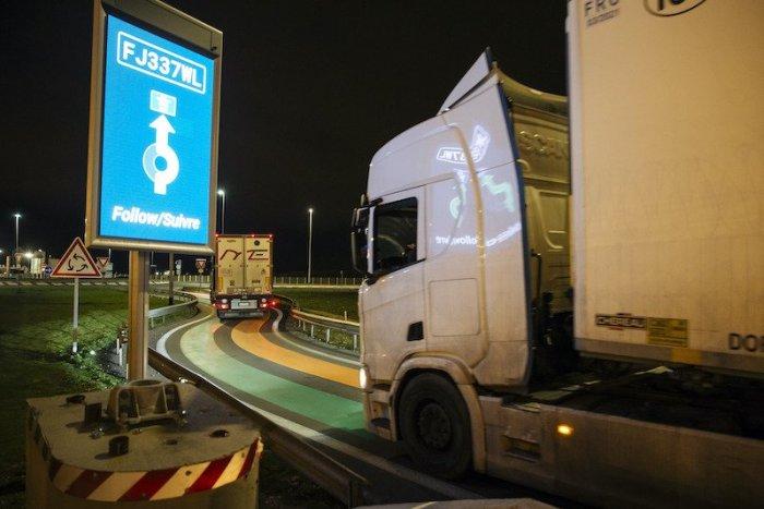 Ilustračný obrázok k článku SVET O SLOVENSKU: Záhadná smrť kamionistu. Na parkovisku bol niekoľko dní