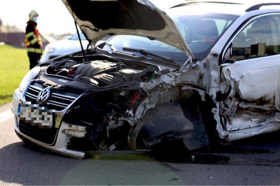 Ilustračný obrázok k článku Na Podpoľaní došlo k zrážke auta s kamiónom: Cestu obojsmerne uzavreli, FOTO