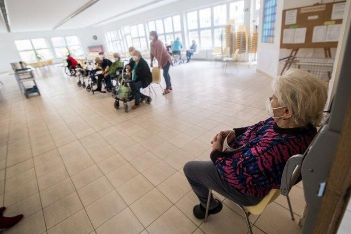 Ilustračný obrázok k článku Prešovská župa spúšťa mobilné očkovanie po obciach kraja: A aj veľkokapacitné centrum