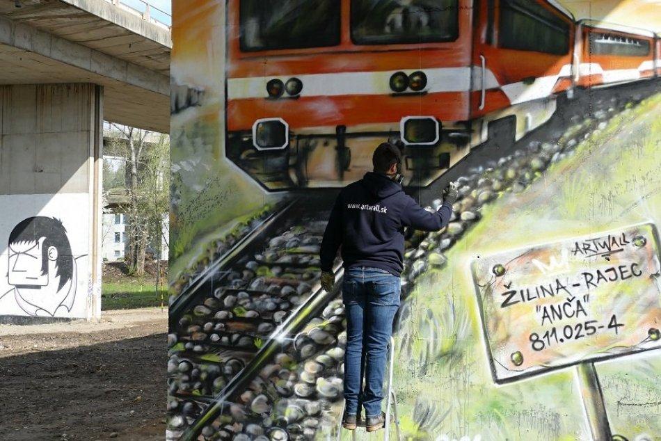 Ilustračný obrázok k článku Park Frambor je hneď krajší: Streetartový umelec vytvára unikátne dielo, VIDEO