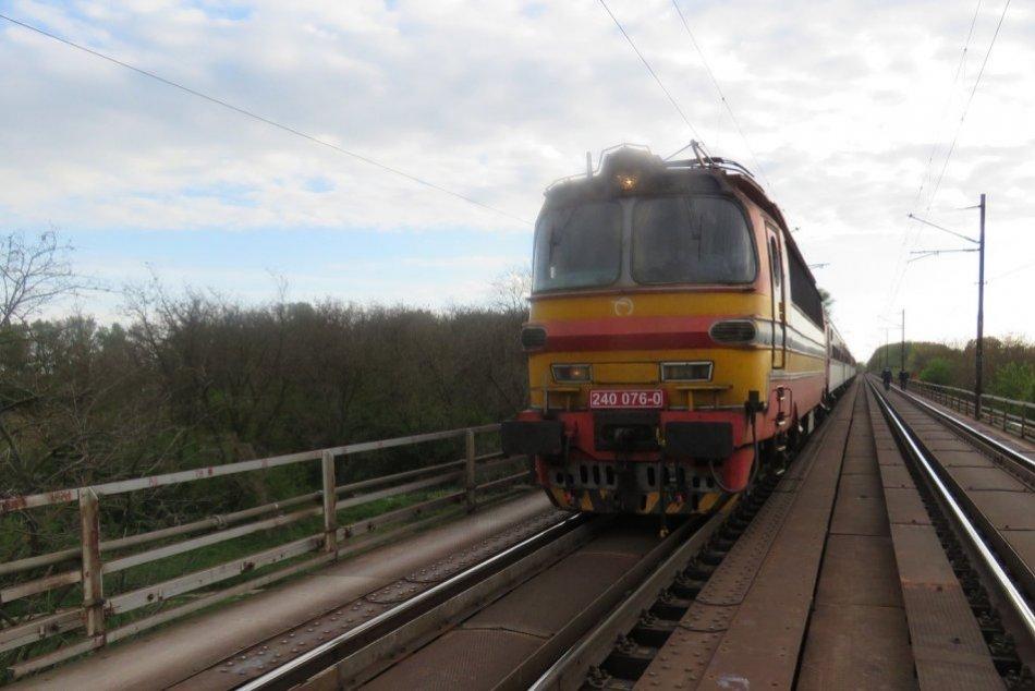 Ilustračný obrázok k článku Čierny mesiac na železnici: Jedna z tragických nehôd s cyklistom sa stala pri Šali