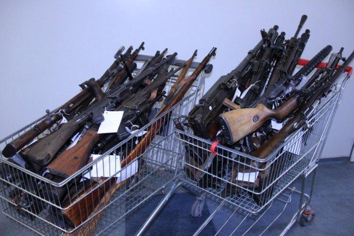 Ilustračný obrázok k článku Skončila sa veľká amnestia: Koľko zbraní odovzdali v Trnavskom kraji?