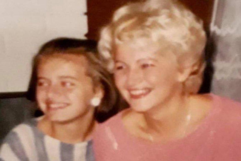 Ilustračný obrázok k článku FOTO: Čaputová, Pellegrini či Heger ukázali svoje mamy. Matovič sa na Deň matiek ROZOHNIL!