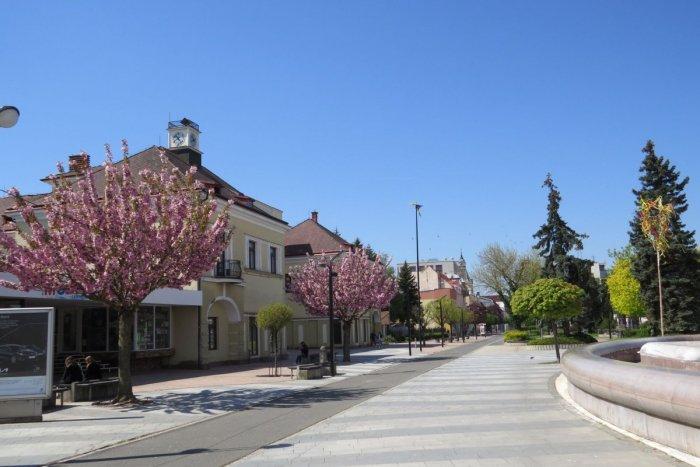 Ilustračný obrázok k článku Uvoľňovanie opatrení v ružovom okrese Michalovce