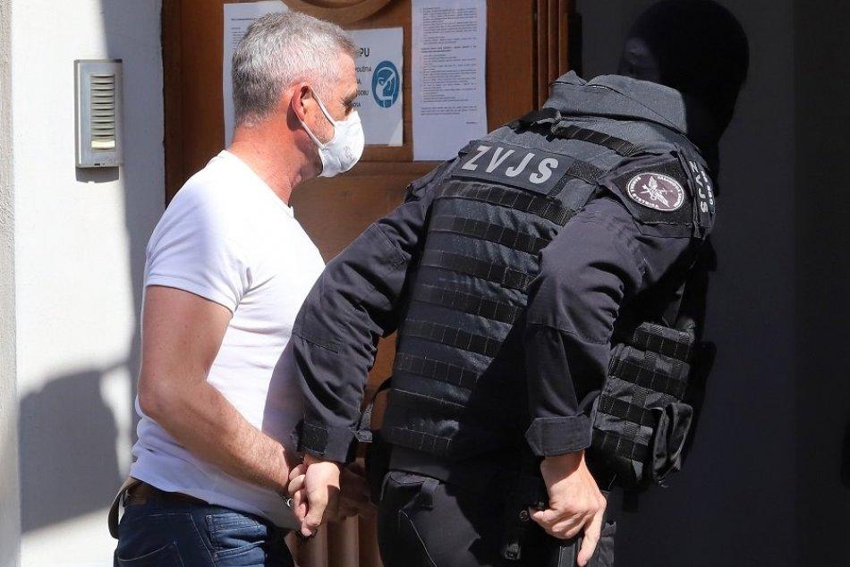 Ilustračný obrázok k článku Policajný exprezident Gašpar zostáva vo väzbe: S ním aj ďalšie známe mená, FOTO