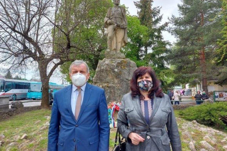 Ilustračný obrázok k článku Na históriu nezabúdajú: V Moravciach si pripomenuli Deň víťazstva nad fašizmom, FOTO
