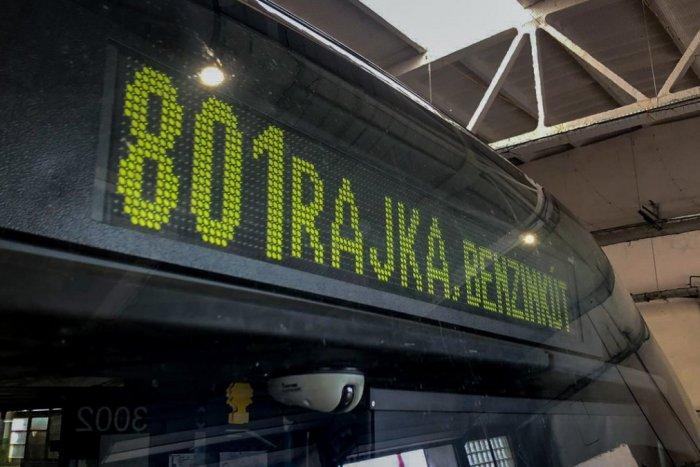Ilustračný obrázok k článku Autobus z Bratislavy do Rajky je minulosťou. Ako sa dostanú Slováci za prácou?