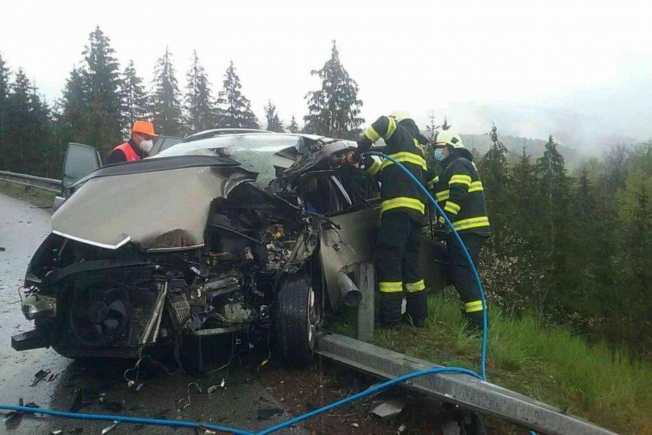 Ilustračný obrázok k článku Nové INFO o zrážke kamióna s autom na Horehroní: Zranení sú až 2 ľudia, čo sa stalo? FOTO