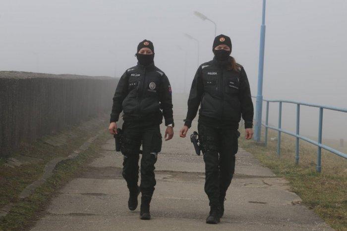 Ilustračný obrázok k článku Policajtky a vojačky sa DOČKALI: Počas materskej budú poberať čistý plat!