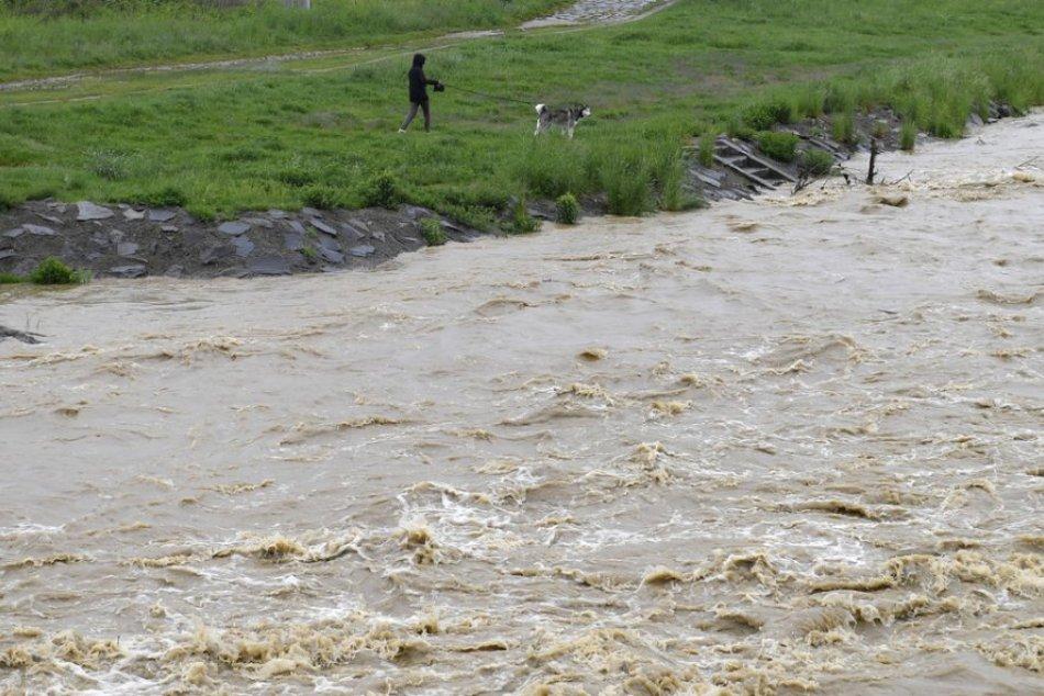 Ilustračný obrázok k článku Horúčavy vystriedal dážď: Platia výstrahy pred BÚRKAMI aj prívalovou POVODŇOU!