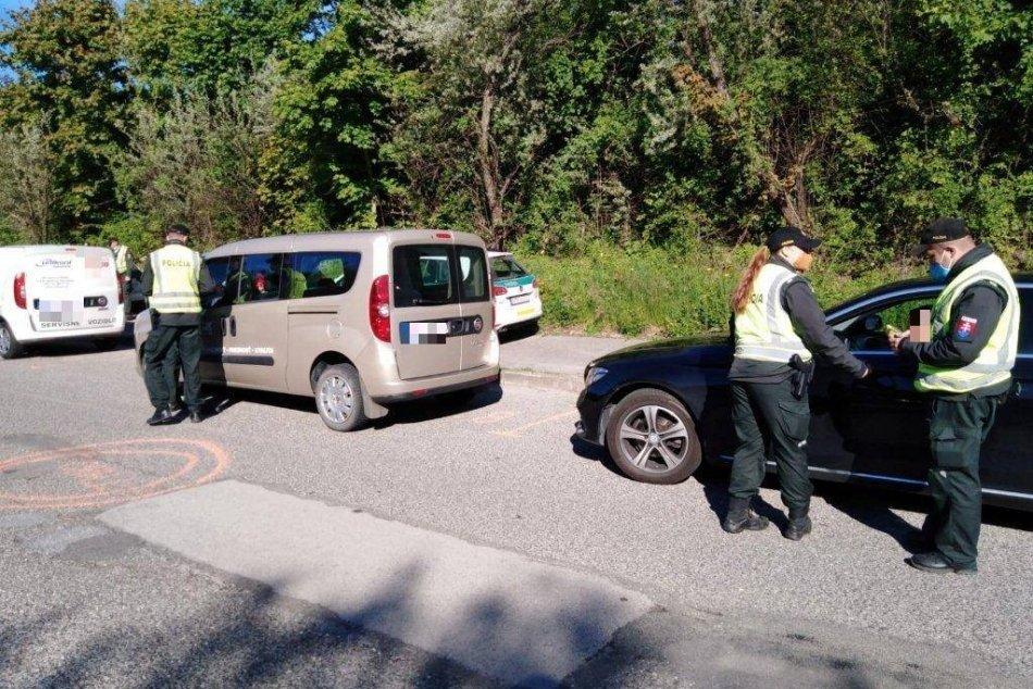 Ilustračný obrázok k článku Veľká policajná akcia: Za dve hodiny skontrolovali takmer 600 vodičov, FOTO