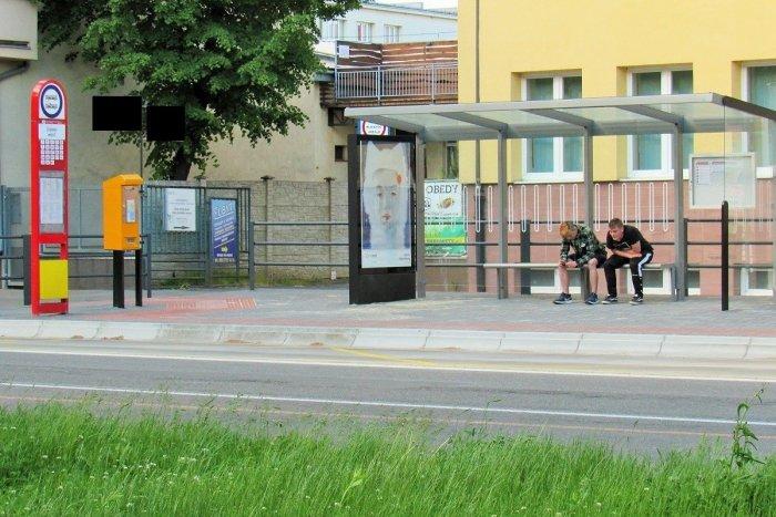 Ilustračný obrázok k článku Prešovčania sa dočkali: Už môžu využívať vynovenú zastávku MHD na Čiernom moste