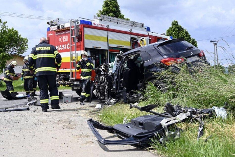 Ilustračný obrázok k článku Vážna dopravná nehoda v Partizánskom: Dvaja zranení po zrážke auta a cisterny