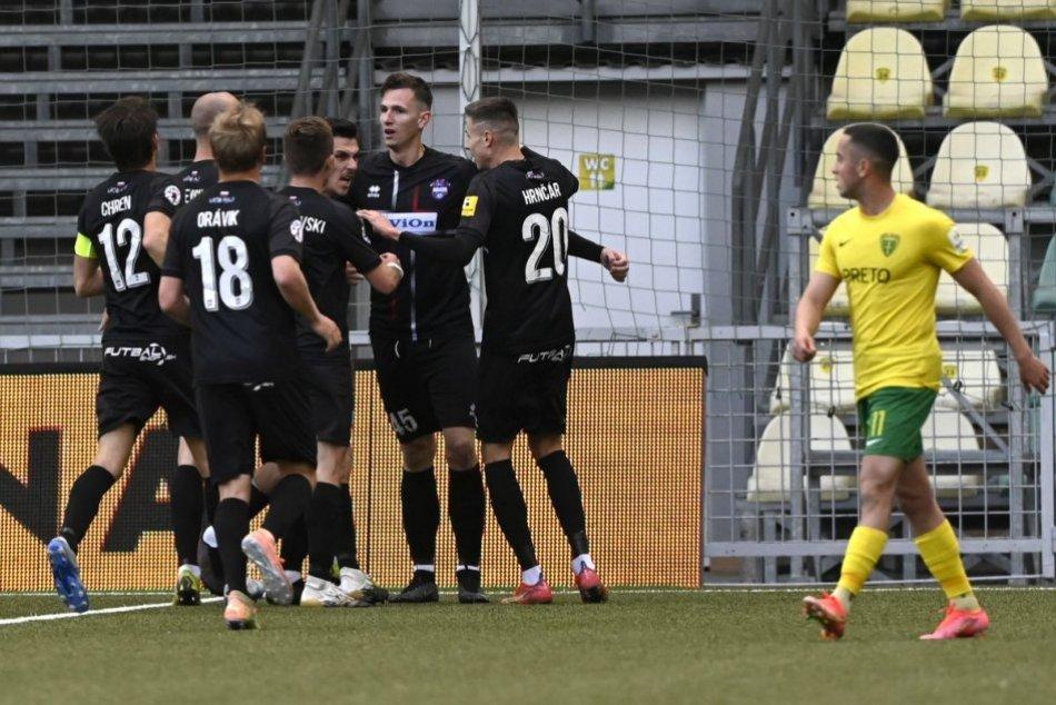 Ilustračný obrázok k článku ŤAHÁK pre milovníkov futbalu: Kedy a s kým sa stretne ViOn v novej sezóne?