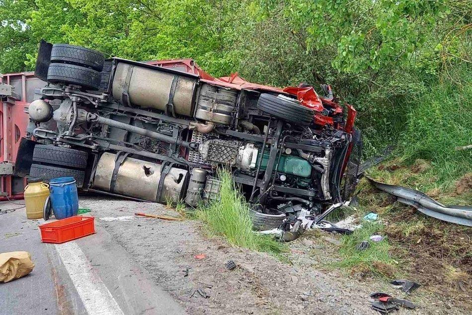 Ilustračný obrázok k článku Polícia prehovorila o tragickej zrážke kamióna s autom: Hľadajú sa svedkovia, FOTO