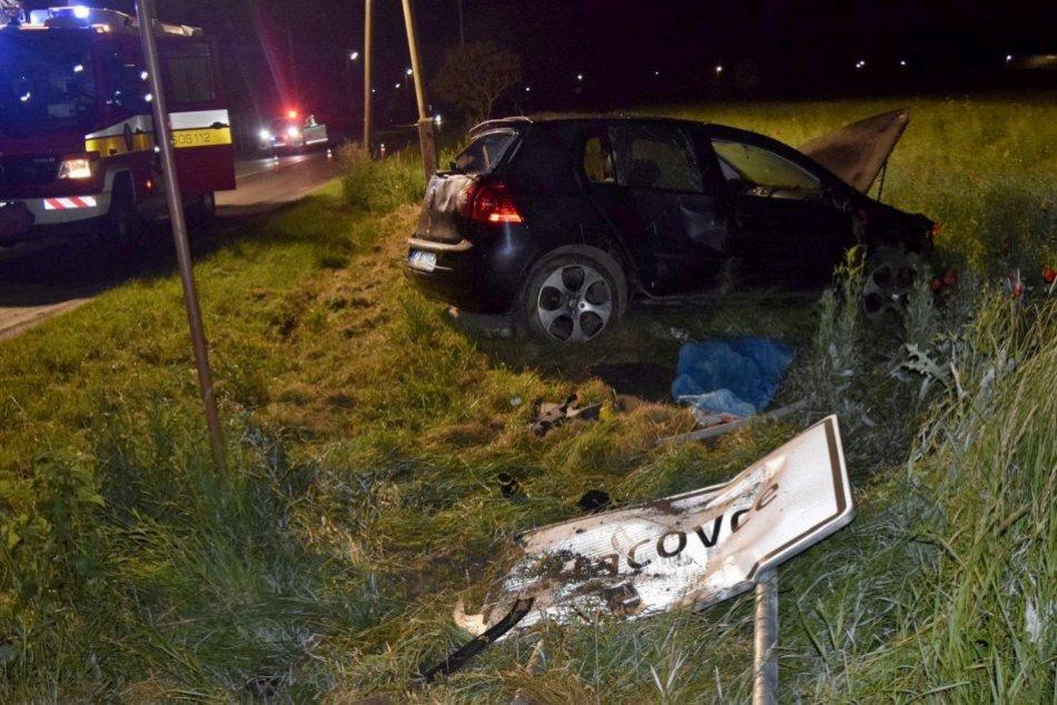 Ilustračný obrázok k článku Tragédia neďaleko Topoľčian: Pri polnočnej nehode vyhasol život vodiča