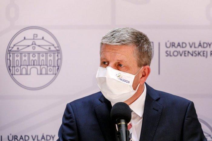 La imagen ilustrativa del artículo Ministro Lengvarský es clara: ¡Él cree que los médicos ahora se tomarán unas vacaciones!