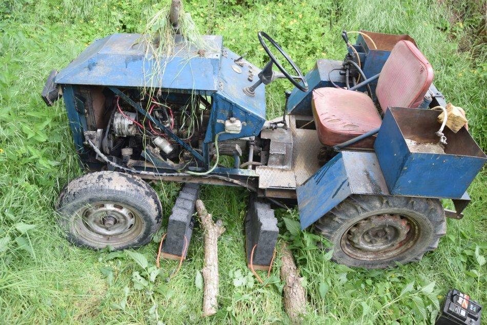 Ilustračný obrázok k článku Nehody traktorov si vyžiadali 2 ľudské životy: Jeden vyhasol neďaleko Lučenca, FOTO