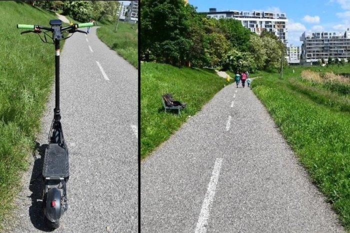 Ilustračný obrázok k článku Prechádzka sa skončila v nemocnici: Ženu pri obiehaní zrazil kolobežkár!