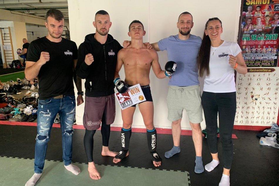 Ilustračný obrázok k článku Mladá nádej bystrického klubu: Richard zažil parádnu premiéru v MMA, FOTO