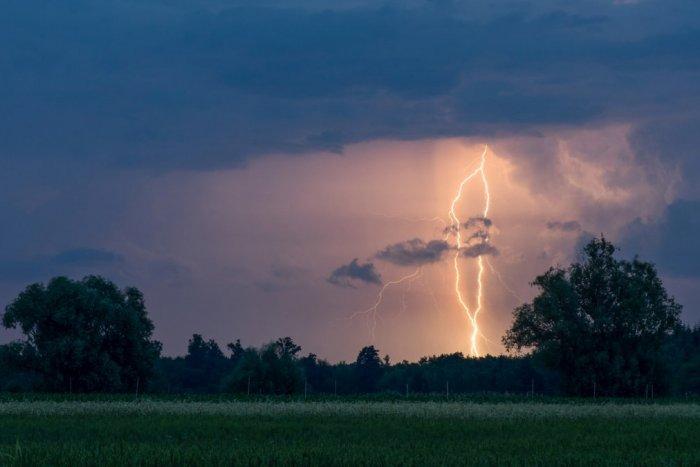 Ilustračný obrázok k článku VAROVANIE: K Slovensku mieria mohutné búrky! Blízko nás nie sú vylúčené ani tornáda