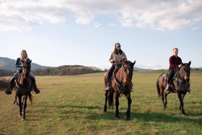 Ilustračný obrázok k článku Barbora Piešová zaujala hitom: Ukázala v ňom Prievidzu a okolie, VIDEO