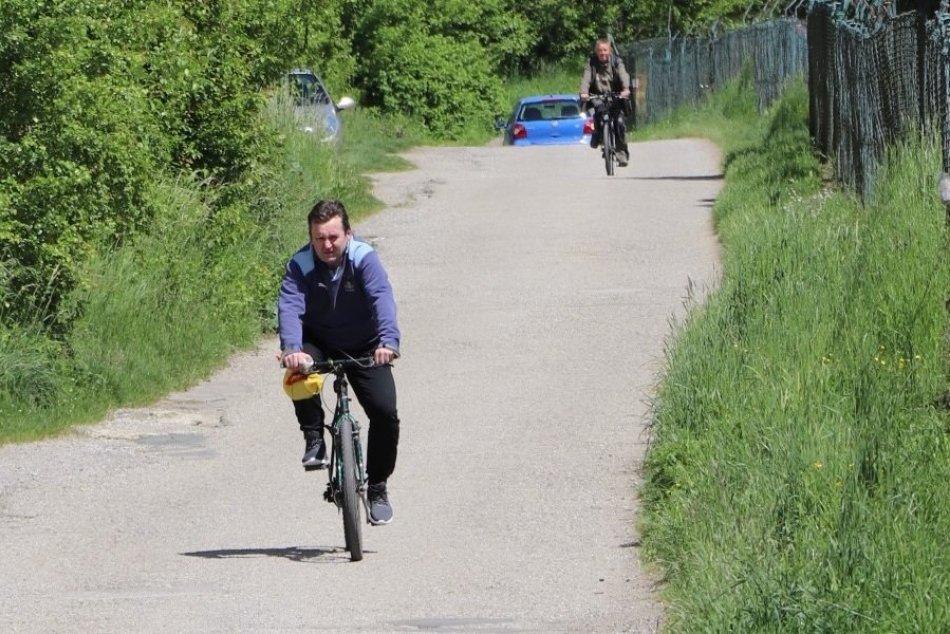 Ilustračný obrázok k článku Na Považí pribudne nový cyklochodník: TRASA, kadiaľ má ísť, FOTO