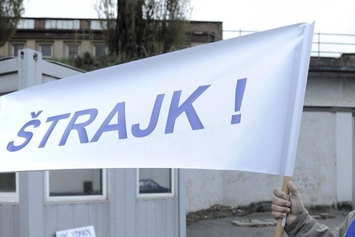 Ilustračný obrázok k článku Začiatok štrajku v Beluši má dátum: Firma sa vyjadrila aj k platom zamestnancov