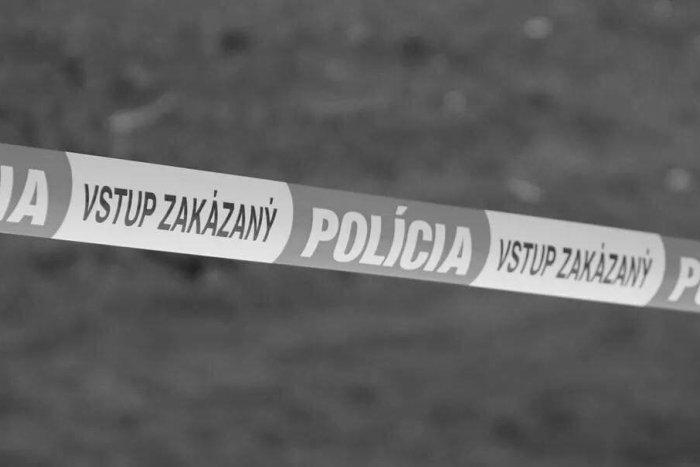 Ilustračný obrázok k článku Šokujúci nález na juhu Banskobystrického kraja: Na zastávke bol mŕtvy muž
