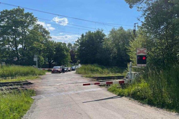 Ilustračný obrázok k článku Vodičov v Mikuláši nepotešíme: Jedno zo železničných priecestí je neprejazdné
