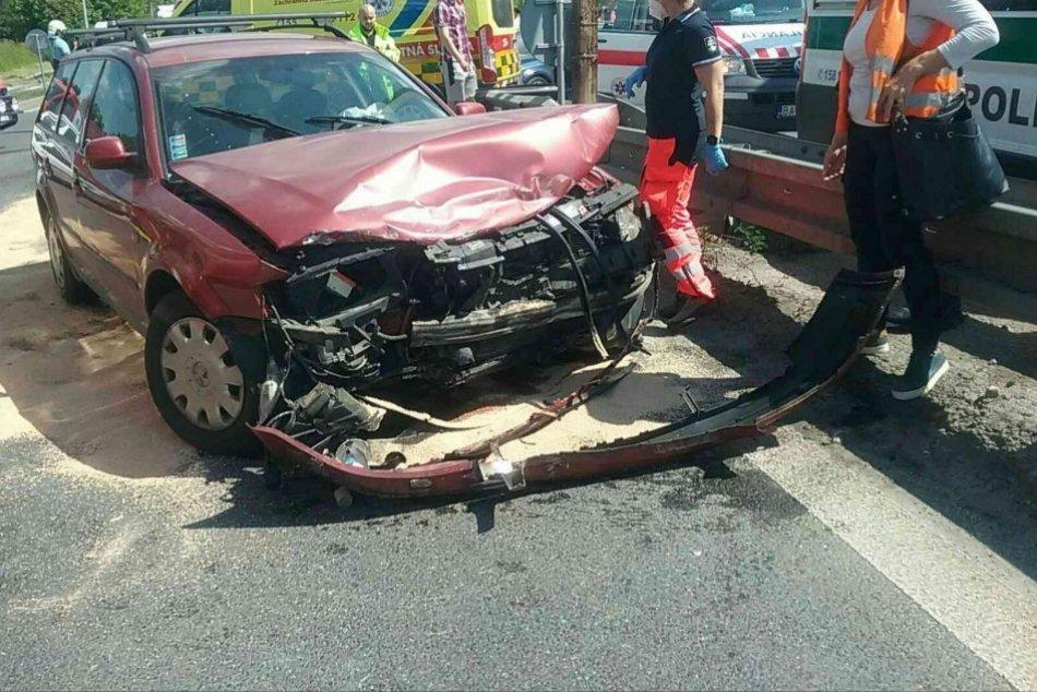 Ilustračný obrázok k článku Vážna nehoda odrezala cestu v Martine: Hlásia niekoľko zranených, FOTO