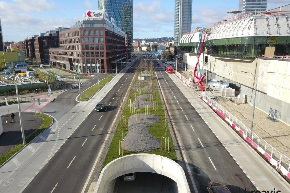 Ilustračný obrázok k článku FOTO: Bratislava netrpezlivo čaká na otvorenie stanice NIVY. V hre je niekoľko termínov