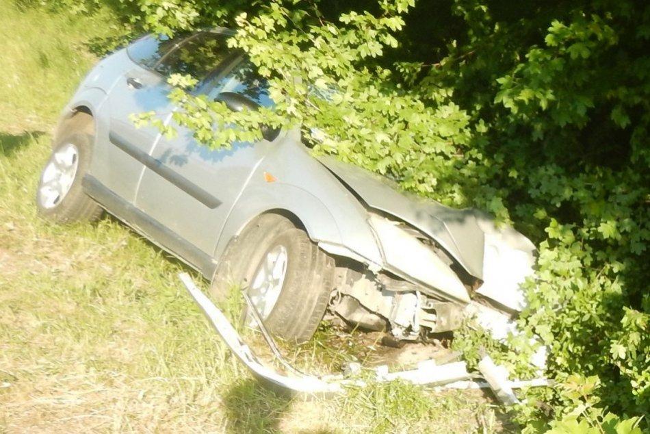 Ilustračný obrázok k článku Nehoda vo Sverepci: Vodič zaspal za volantom, opustil cestu a zranil sa, FOTO