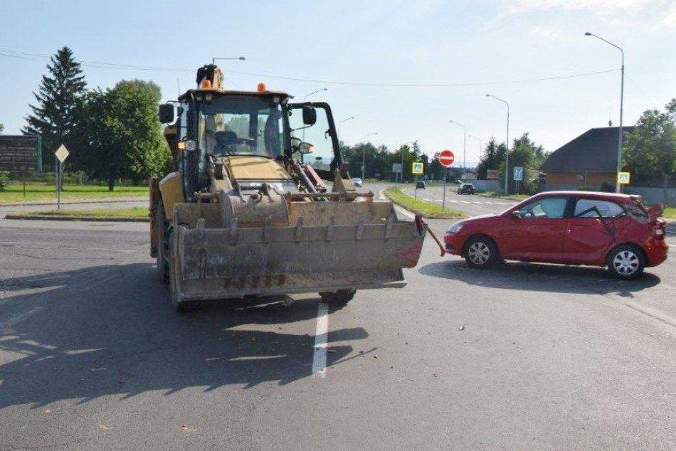 Ilustračný obrázok k článku Žena za volantom narazila na križovatke do stroja a potom poriadne nafúkala! FOTO