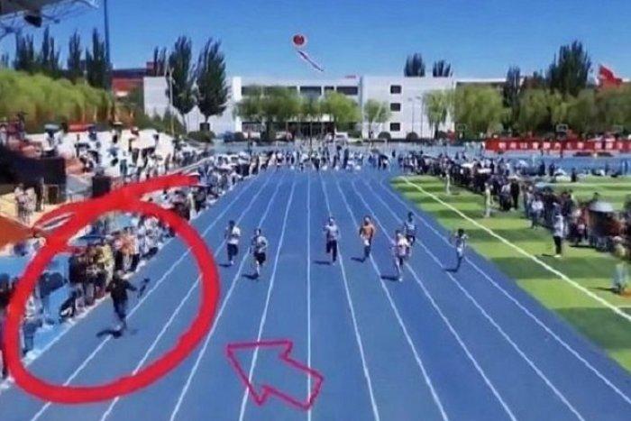 Ilustračný obrázok k článku KURIOZITA DŇA: Šprintérov predbehol kameraman. Z mladíka sa stala hviezda!