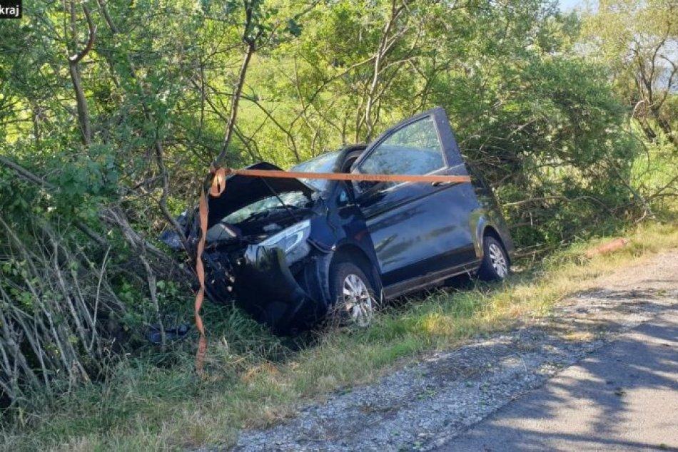 Ilustračný obrázok k článku Hrozivá nehoda neďaleko Rožňavy: Zranilo sa päť ľudí, FOTO