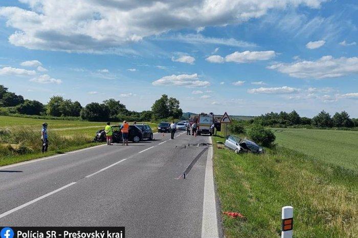 Ilustračný obrázok k článku Vážna nehoda neďaleko Vranova: Pri čelnej zrážke sa zranilo niekoľko osôb