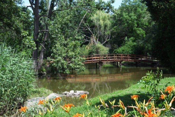 Ilustračný obrázok k článku Lávku v nitrianskom parku museli okamžite demontovať: Hrozilo, že sa zrúti