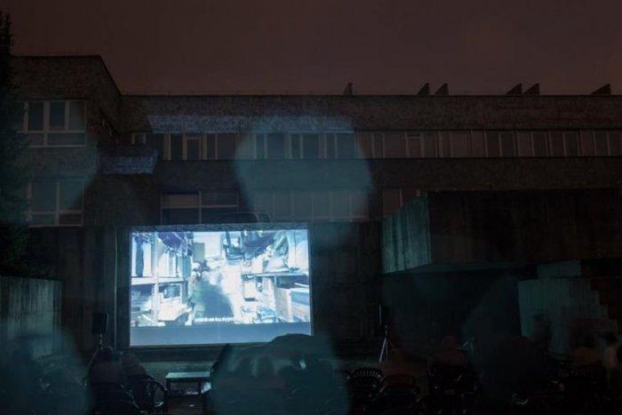 Ilustračný obrázok k článku Ďalšie miesto, kde v Bystrici uvidíte filmy pod holým nebom: Poznáme PROGRAM Kina v bazéne