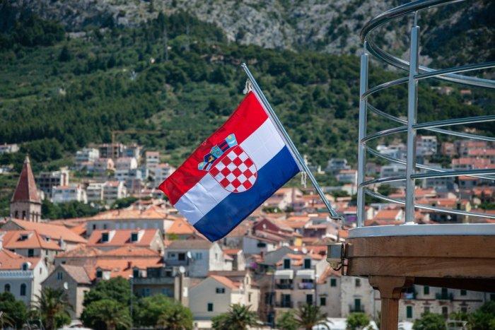 """Ilustračný obrázok k článku DOVOLENKÁRI, tešte sa! Od polnoci sa k """"slovenskému"""" moru dostanete bez problémov"""
