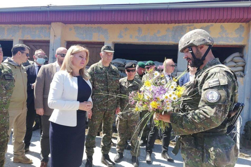 Ilustračný obrázok k článku Na Lešti mali vzácnu návštevu: Medzi vojakov zavítala prezidentka Čaputová, FOTO
