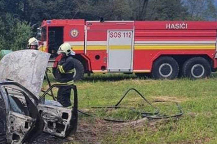 Ilustračný obrázok k článku Požiar auta neďaleko Rožňavy: Zostalo z neho len torzo, FOTO
