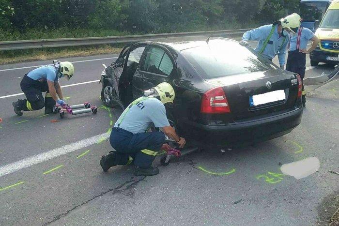 Ilustračný obrázok k článku Vážna nehoda v Žiline: Zrážka troch áut a dodávky, niekoľko zranených!