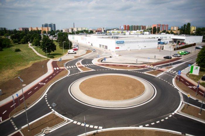 Ilustračný obrázok k článku VIDELI ste už nový kruhový objazd v Trnave? TAKTO vyzerá po dokončení!