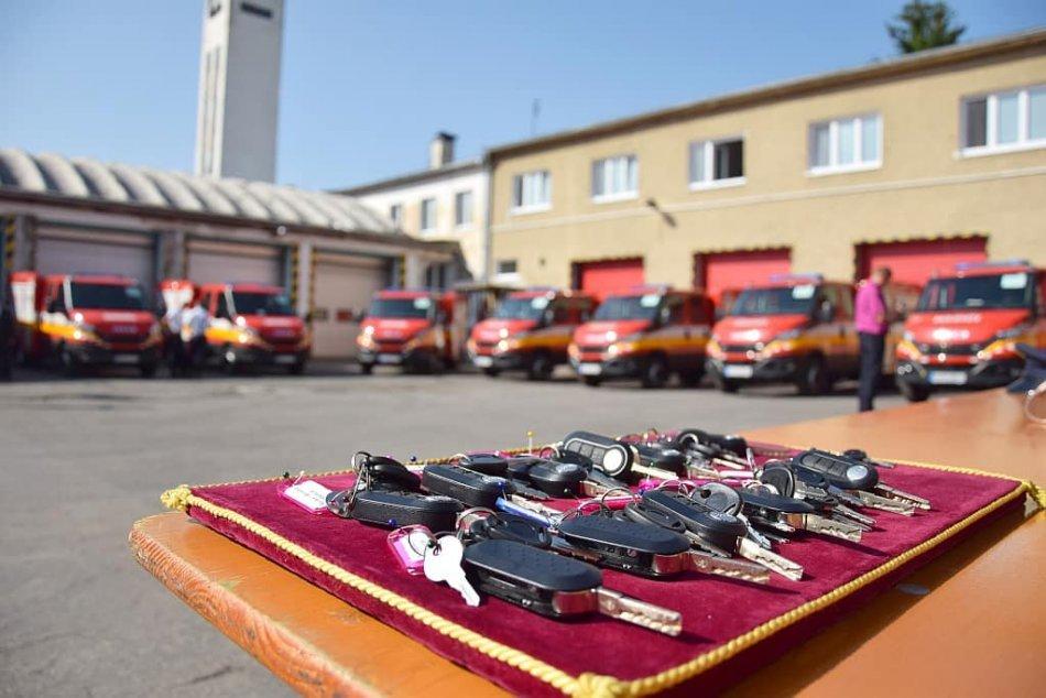 Ilustračný obrázok k článku Hasiči dostali novú techniku: Mieri do miest a obcí v Banskobystrickom kraji, FOTO