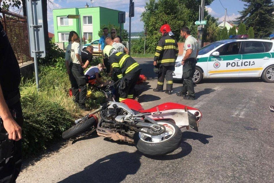 Ilustračný obrázok k článku Motorkár mal nastúpiť do výkonu trestu: Havaroval pri úniku pred políciou, FOTO