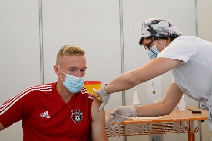Ilustračný obrázok k článku Sú pripravení na tretiu vlnu: Futbalisti Spartaka sa boli dať ZAOČKOVAŤ! FOTO